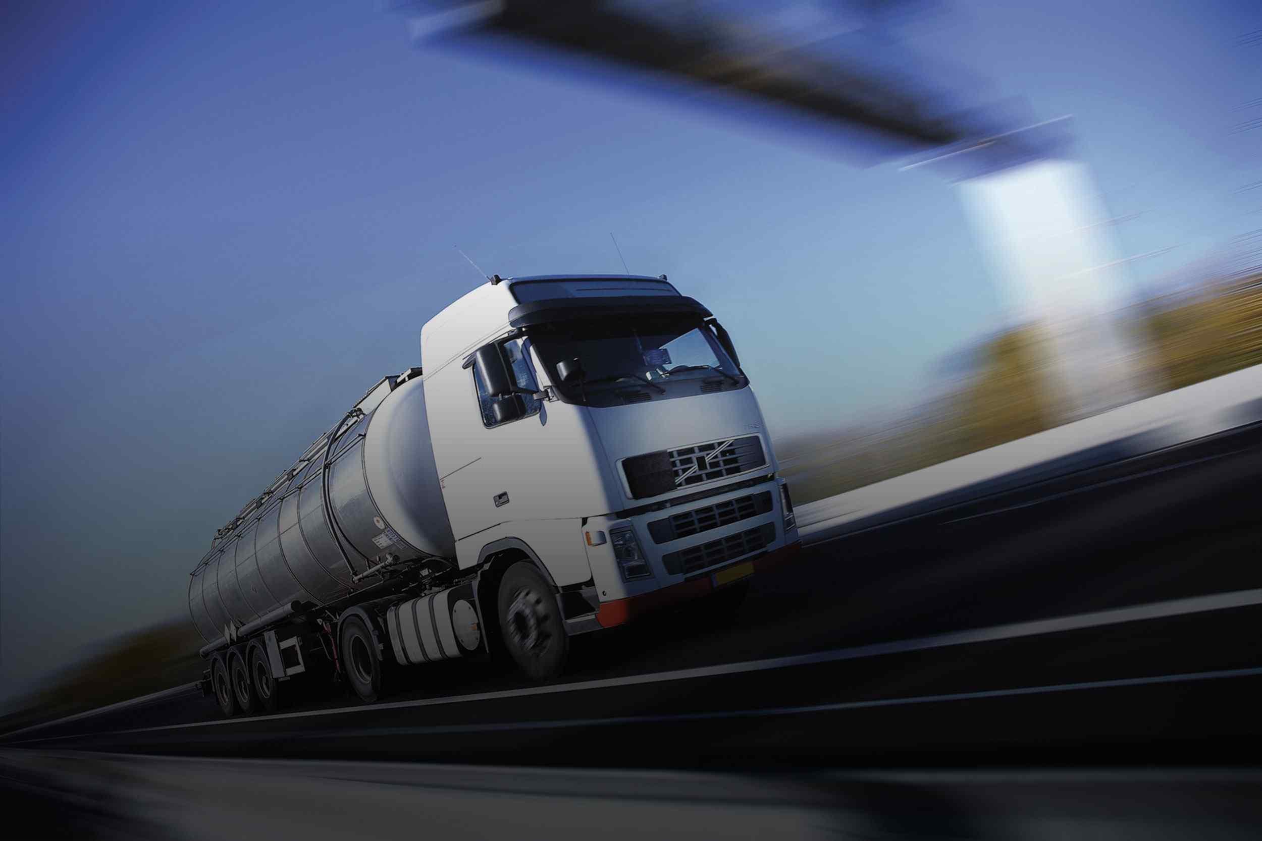 https://www.gamaas.com.tr/wp-content/uploads/2015/09/White-Truck-single.jpg